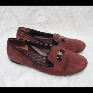 🥰 NEW LISTING🥰 Tory Burch burgundy suede loafer